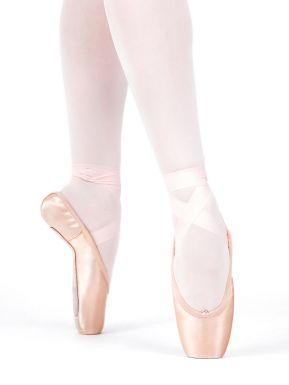 Girls Ballet Pointe Shoes In Capezio